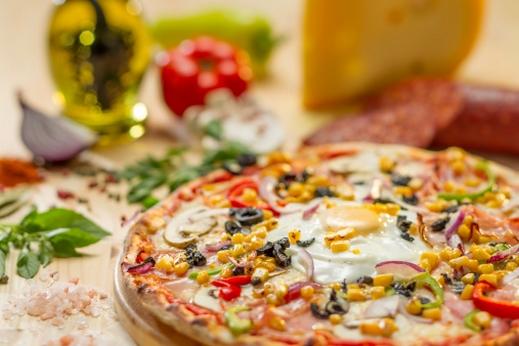 طريقة عمل بيتزا البيض , بالصور عمل بيتزا البيض