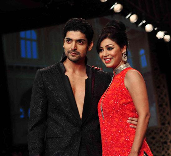 صور ابطال المسلسل الهندي فرصة تانية , صور رومانسية للابطال المسلسل الهندي فرصة تانية