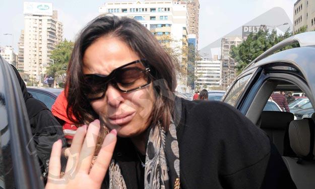 داليا البجيرى تشيع طليقها بحزن و ببحر من الدموع ,صور بكاء داليا البحيري في جنازة زوجها فريد المرشدى