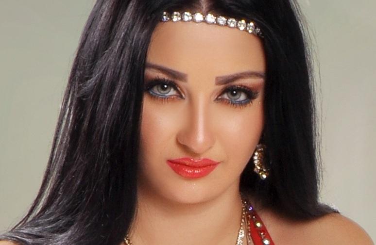 اسباب ترحيل الراقصة المصرية صافيناز من مصر 2014