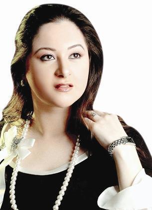صور مي ابنة الفنان نور الشريف و بوسي 2014