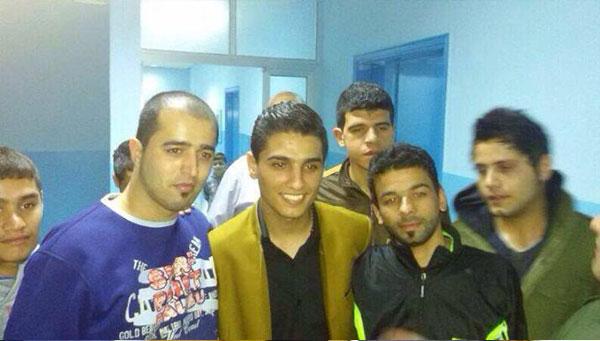 صور محمد عساف يزور مستشفى بلسم في مخيم الرشيدية للاجئين الفلسطنيين في لبنان 2014