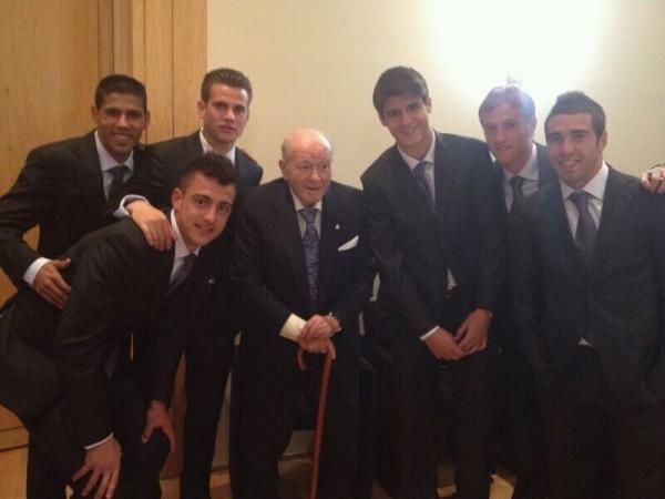 موراتا ينشر صورة جماعية مع ديستيفانو