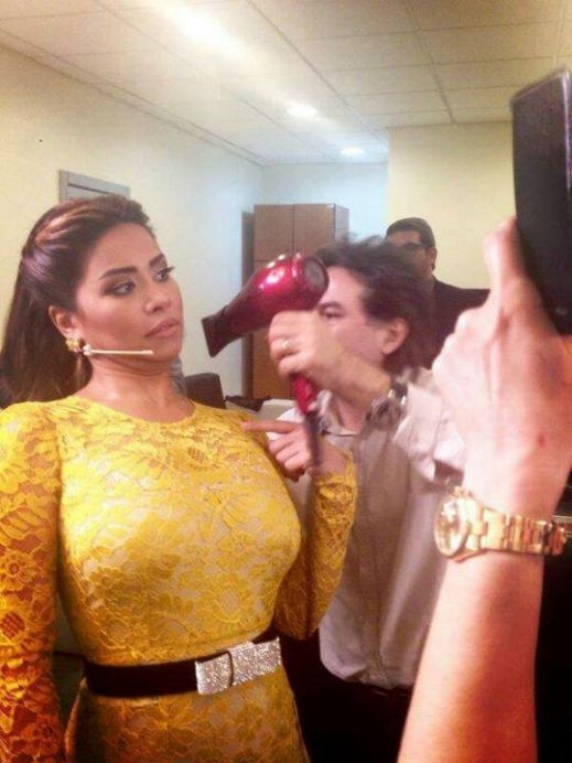 صور شيرين عبد الوهاب في حلقة برنامج ذا فويس بفستان أبهر الحضور بفستان اصفر 2014