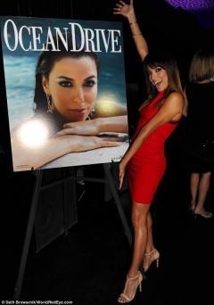 صور إيفا لونغوريا فى حفل Ocean Drive التي تصدرت غلافها في فلوريدا 2014