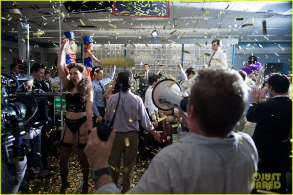 صور كواليس فيلم The Wolf of Wall Street للنجم ليوناردو دي كابريو 2014