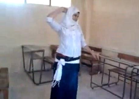 يوتيوب طالبة ثانوى تنافس صافيناز في رقص 2014 , فيديو رقص بنات مصر 2015