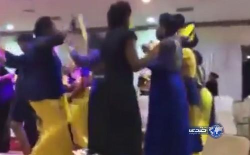 صور فتيات يرقصون احتفال بفوز النصر السعودي
