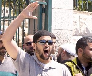 أخبار فلسطين اليوم الأحد 20-4-2014 , إسرائيل تحول القدس لثكنة عسكرية والخمسين شرطا للصلاة بالأقصى