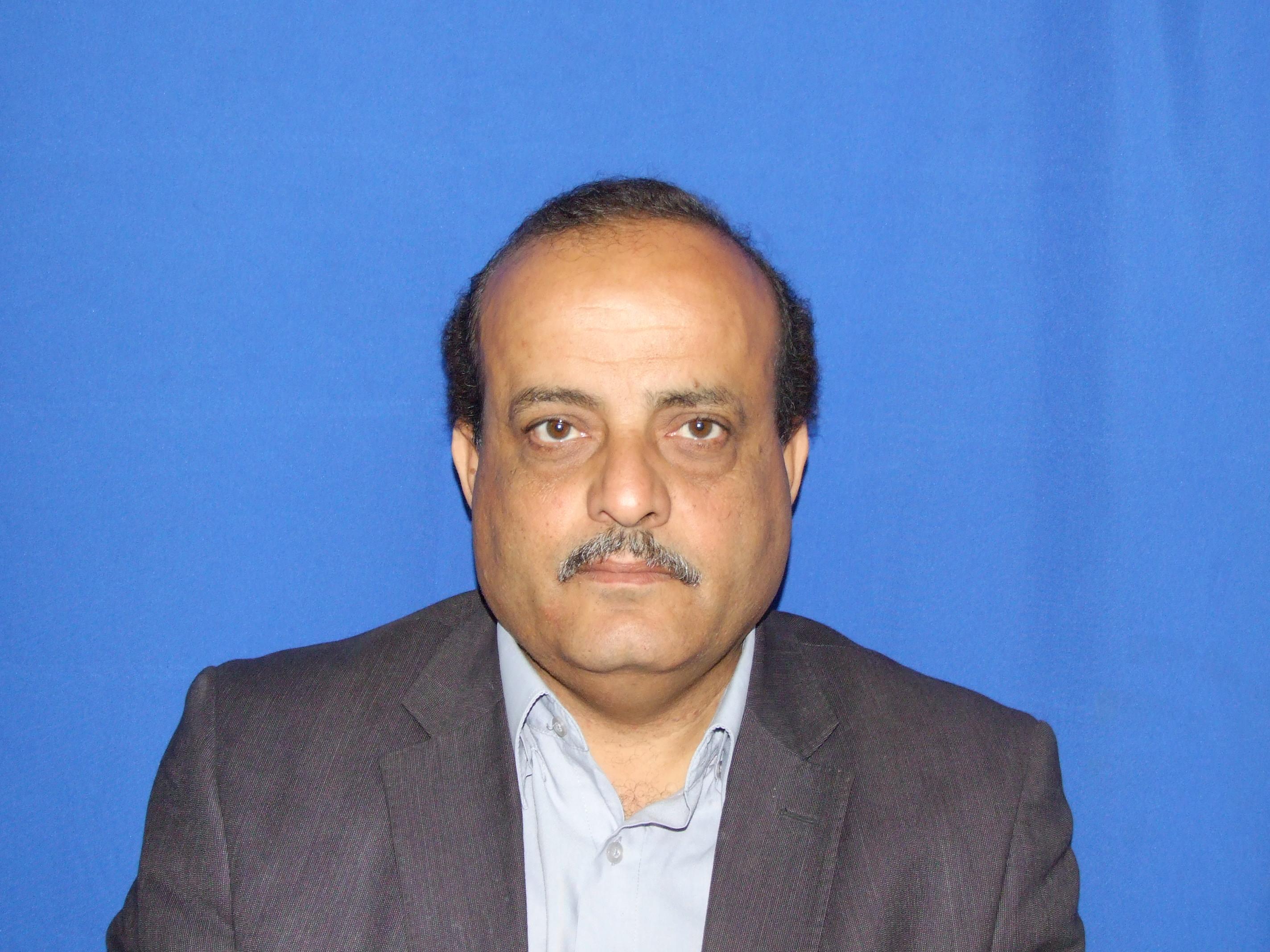 معلومات عن رجل الاعمال أشرف عبد الوهاب محمد قنديل