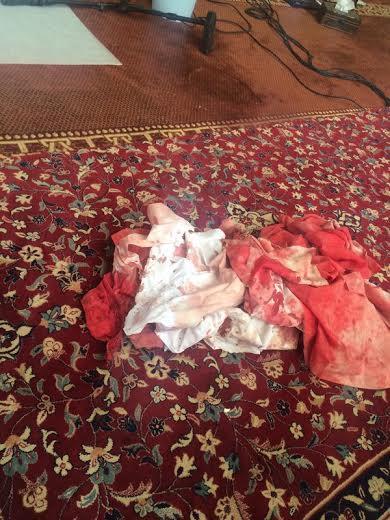 صور طعن مؤذن داخل مسجد بحي الوادي , اسباب الاعتداء و طعن مؤذن مسجد الربيعة بحي الوادي