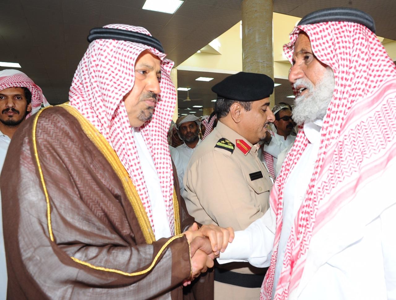 صور جنازة و تشييع جثمان مسعد بن مفرج الكربي بجامع الأمير مشعل بن سعود