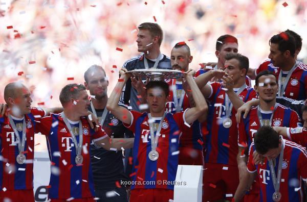 احتفالات جماهير بايرن ميونيخ على ملعب أليانز صور تتويج بايرن ميونيخ بلقب الدوري الالماني اليوم 2014