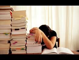 تفسير حلم الرسوب في الامتحان , معنى السقوط في الاختبار , حلمات اني رسبت في الامتحان