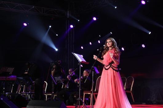 ازياء شذى حسون , فساتين الفنانة شذى حسون , شياكة شذى حسون 2015