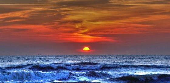 معنى غروب الشمس في المنام , من رأى غروب الشمس فإن أفراحه وثروته سيكونان في أحسن حال