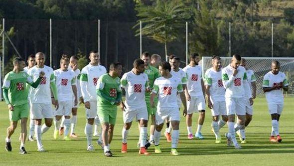 منخب الجزائر يحمل آمال العرب كروياً أمام بلجيكا كاس العالم 2014