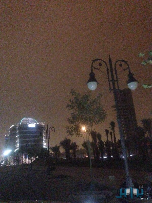 اجواء الرياض 26-8-2014 صور امطار ورياح واتربة الرياض اليوم الثلاثاء 30-10-1435