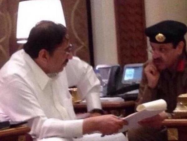 صور الامير محمد بن نايف داخل مكتبه منهمك فى عمله