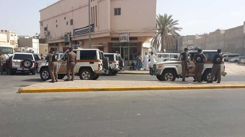 ضحايا حادث الدالوة بالمسجد الطالعى بالساحة الملاصقة لمسجد المرتضى