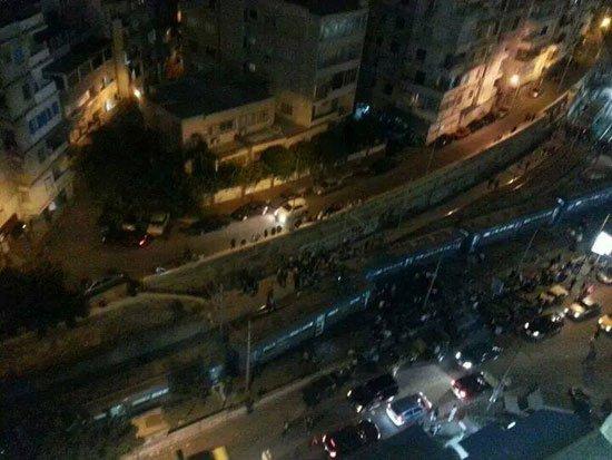 إصابة 5 أشخاص بحادث تصادم ترامين بمحطة سان ستيفانو بالإسكندرية