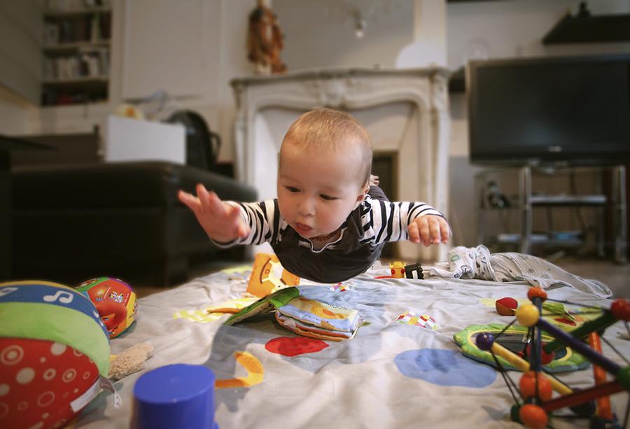 صور اطفال يلعبون بجودة عالية اتش دي