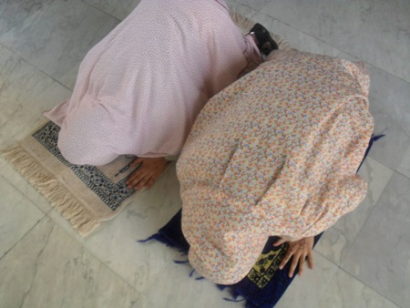 فقرة للمدرسة عن الصلاة للفتيات ، كلمة مدرسية للاذاعة عن الصلاة واهميتها