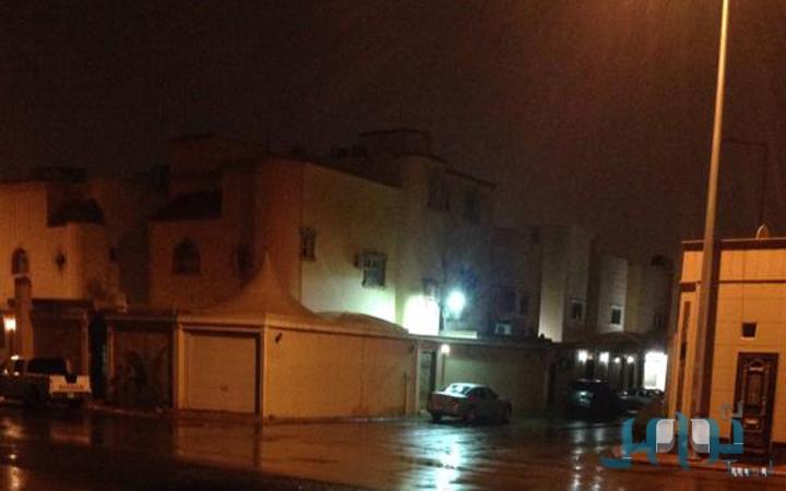 صور أمطار وسيول الرياض اليوم الثلاثاء 3-2-1436 , تعليق الدراسة في الرياض بسب سقوط الامطار