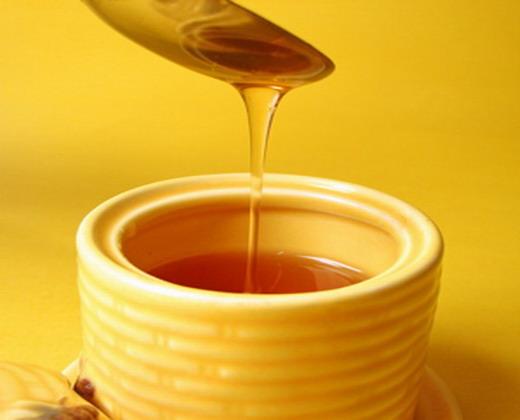 عالج نفسك بالعسل