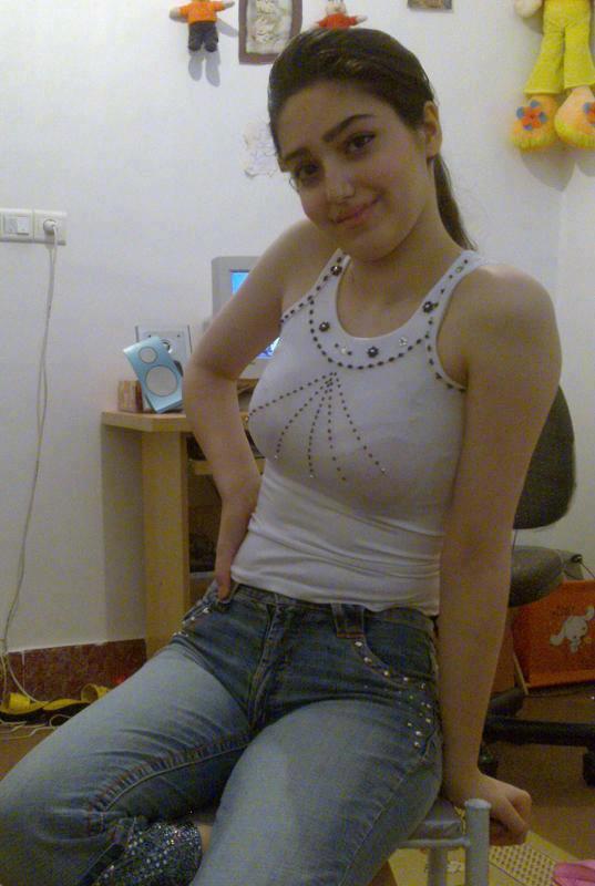 صور بنات ليبيا في البيت
