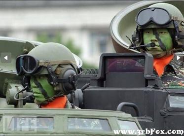 صور غريبة ومضحكة للعروض العسكرية فى مختلف جيوش العالم