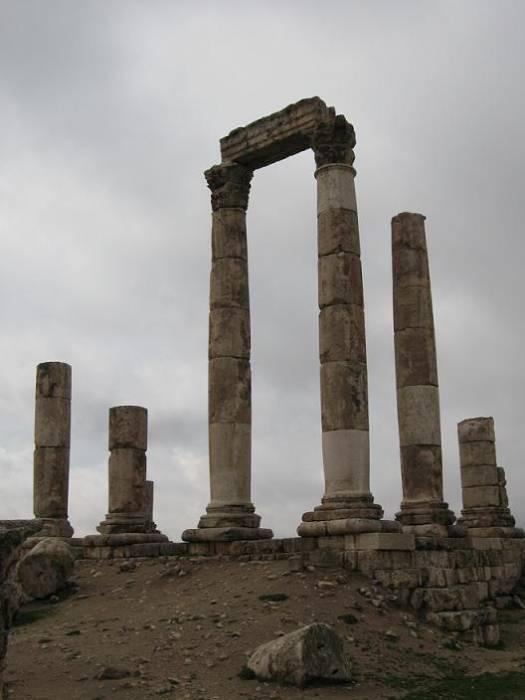 معلومات وصور متحف الاثار الأردني