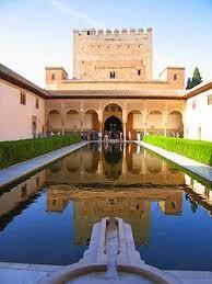 قصر الحمراء Alhambra Palace , متحف غوغنهايم بلباو Guggenheim Museum Bilbao