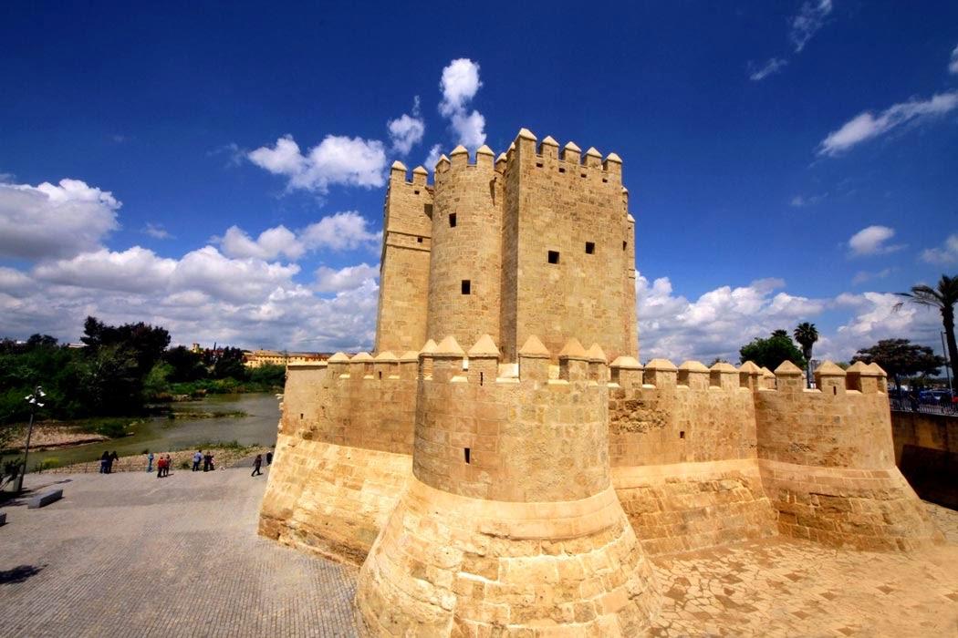 ������� �� ��� �������� Calahorra Tower