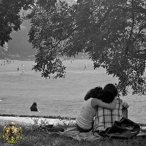 احدث صور حب و رومانسية تحت المطر