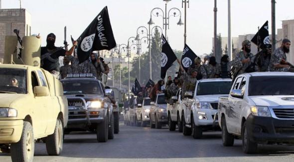 داعش ينقل عتاده وسلاحه من الموصل الى الأراضي السورية