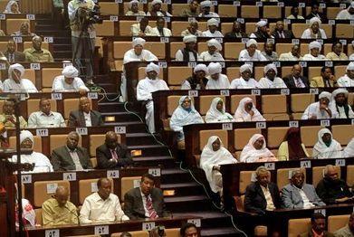 برلمانية تطالب بقطع رأس أي مغتصب لطفل سوداني