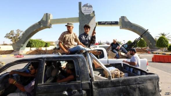 الجيش الليبي يشن عدد من الغارات على قوات فجر ليبيا في طرابلس