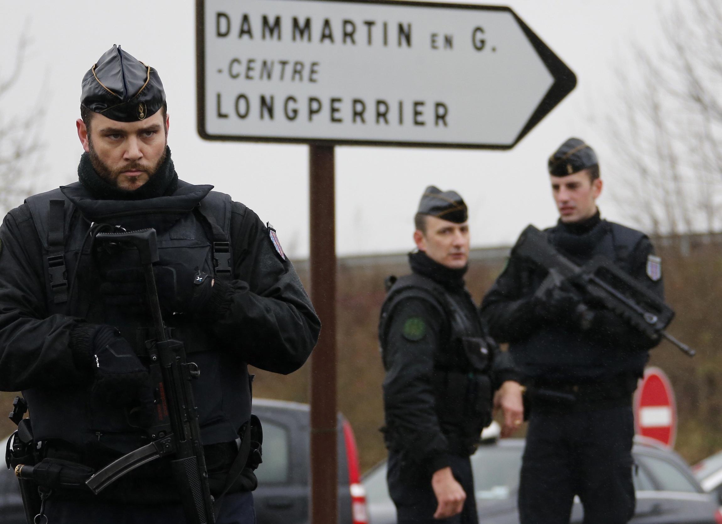فديو صور لحظة مقتل المشتبه بهما بهجوم شارلي إيبدو بفرنسا