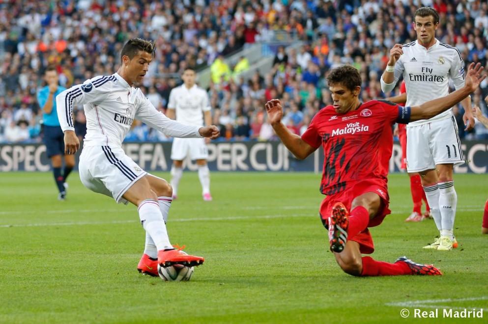 أهداف مباراة إشبيلية 2 - 3 ريال مدريد السبت 2-5-2015
