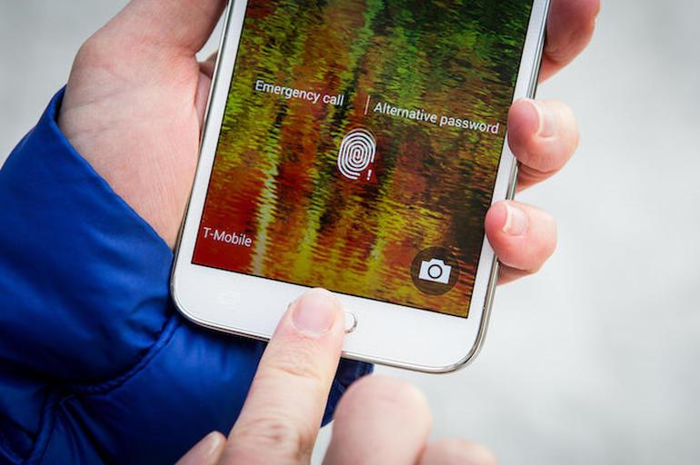 باحثان طريقة لسرقة بصمات الأصابع من هواتف أندرويد