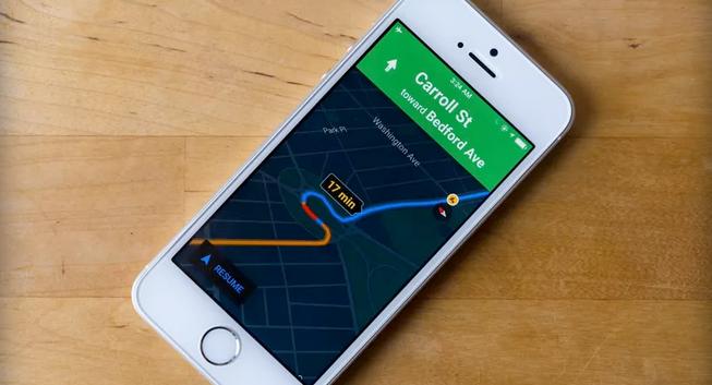 خرائط قوقل على iOS توفر ميزة الوضع الليلي للتنقل بسهولة أثناء الليل