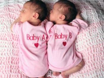 تفسير حلم الولادة بتوأم , معنى التوائم في المنام , تفسير حلم التوام للحامل والبنت