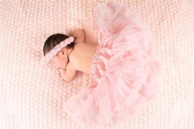 تفسير حلم الولادة في بنت - معنى المولودة البنت في المنام - تفسير حلم الولادة بالبنت