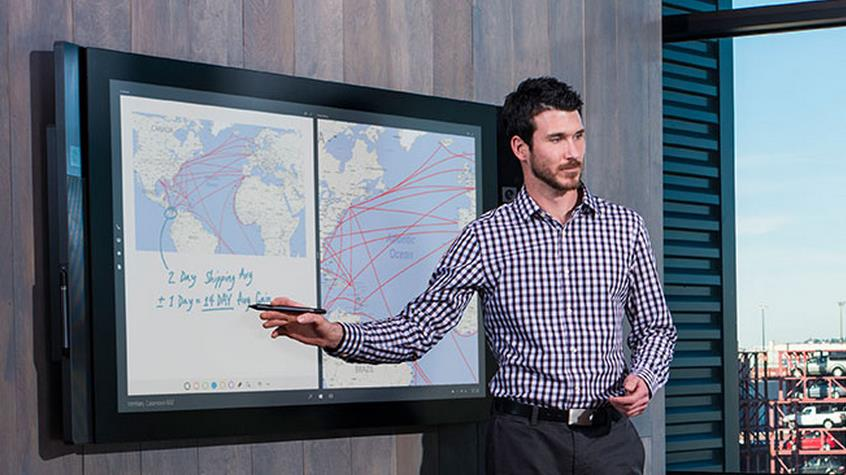 ���������� ���� ����� ������ ������� �������� Surface Hub ��� 2016