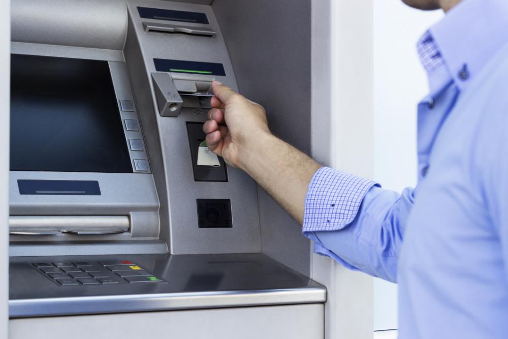 اكتشاف برمجية خبيثة تتيح للقراصنة سرقة المال من أجهزة الصراف الآلي