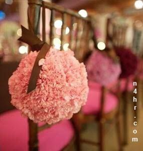 بالصور أفكار جديدة لتزيين كرسي العروسة وكراسي صالة الأفراح