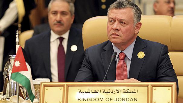 الملك عبد الله الثاني جرس إنذار لنا جميعا اليكم الفيديو