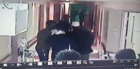 فيديو  18 الغرفة رقم 207 شاهدة على جريمة الإحتلال في مشفى الأهلي بمدينة الخليل