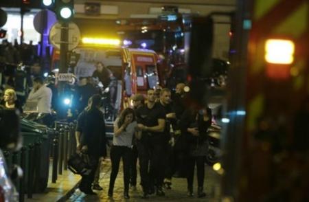 تحديث باريس 60 قتيلا في 3 هجومات واحتجاز 100 رهينة